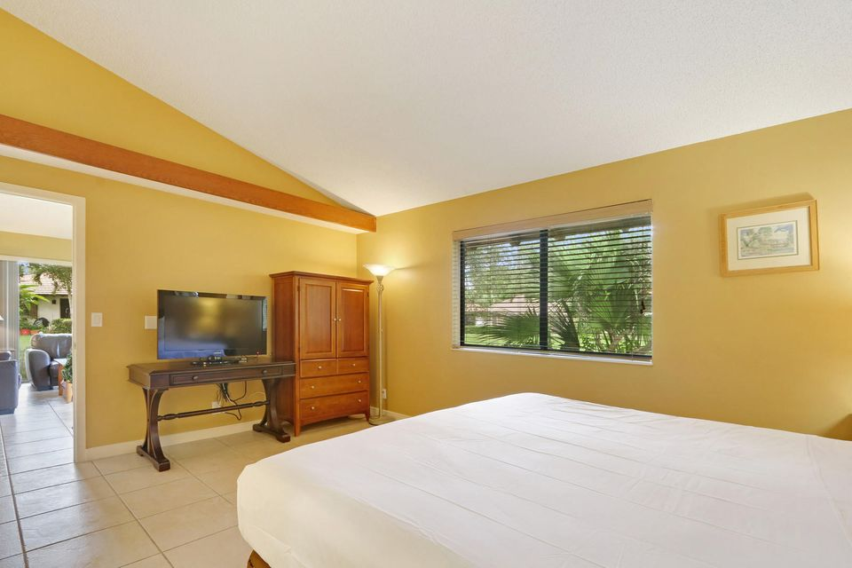 210 Club Drive, Palm Beach Gardens, FL, 33418