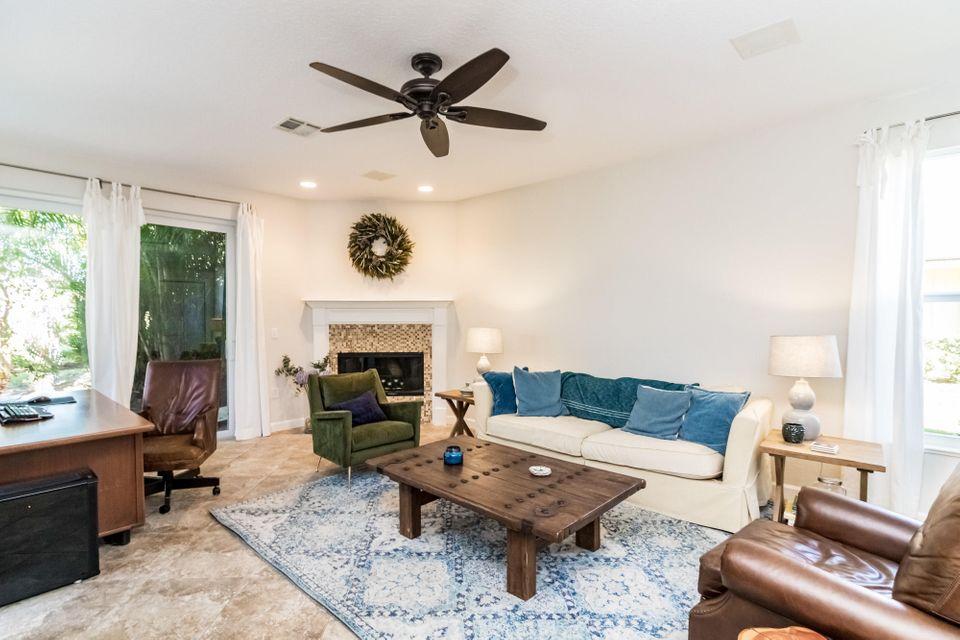 207 Thornton Drive, Palm Beach Gardens, FL, 33418