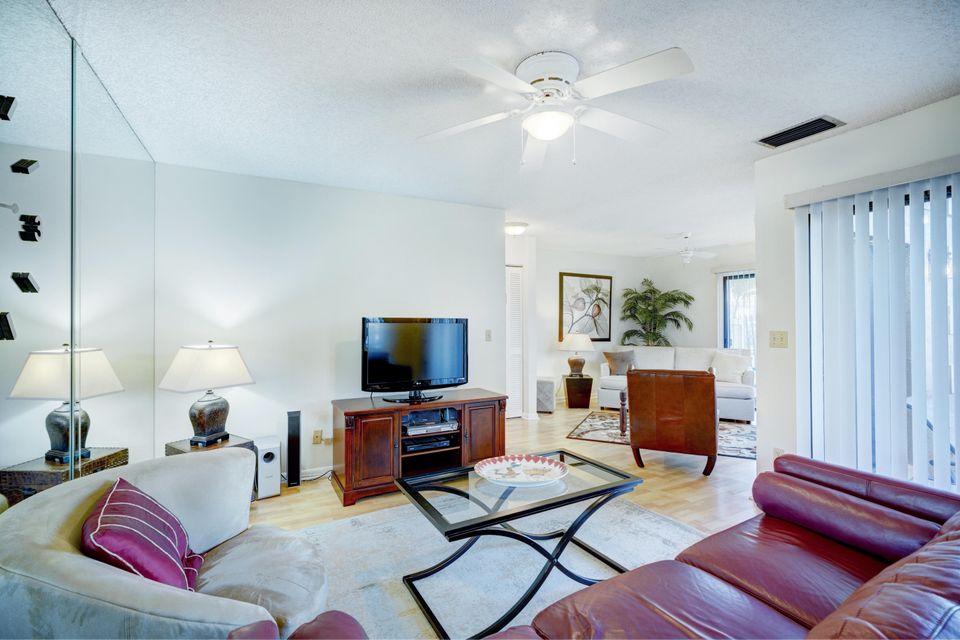 365 Prestwick Circle 2, Palm Beach Gardens, FL, 33418