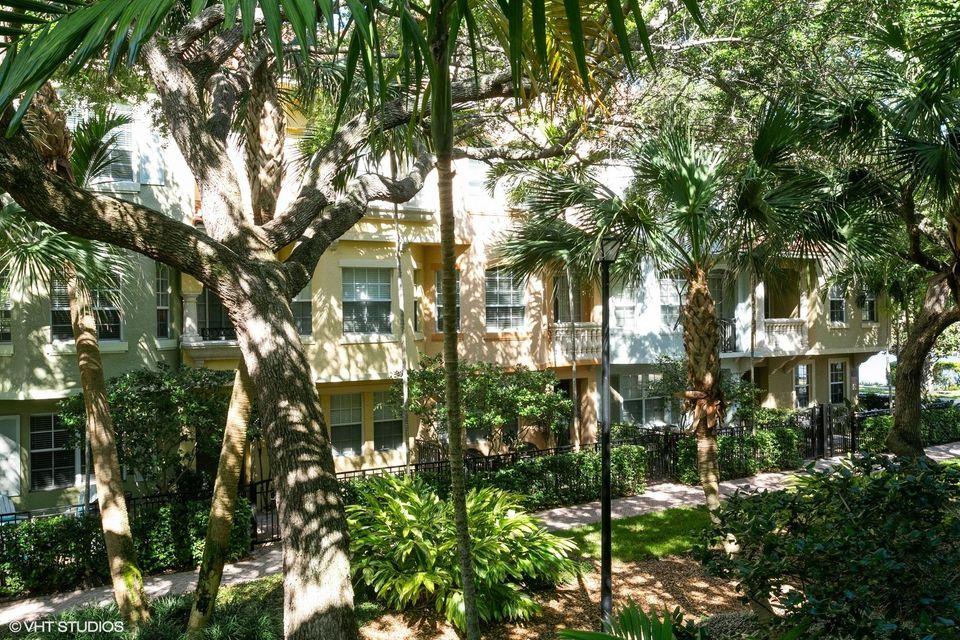2440 San Pietro Circle, Palm Beach Gardens, FL, 33410
