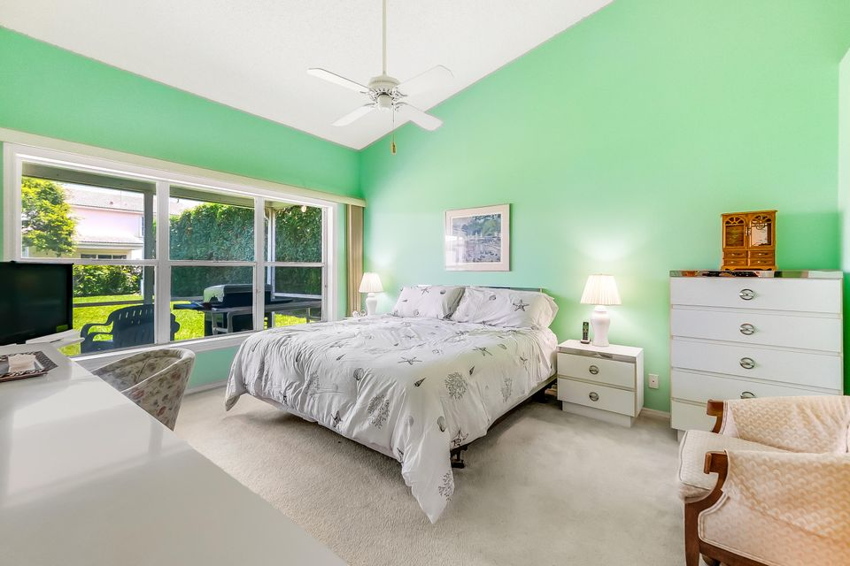 1007 Pine Lake Circle, Palm Beach Gardens, FL, 33418