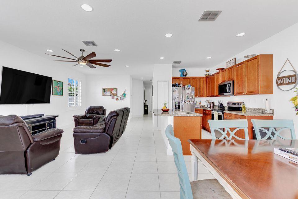 6011 Pine Tree Way, Palm Beach Gardens, FL, 33410