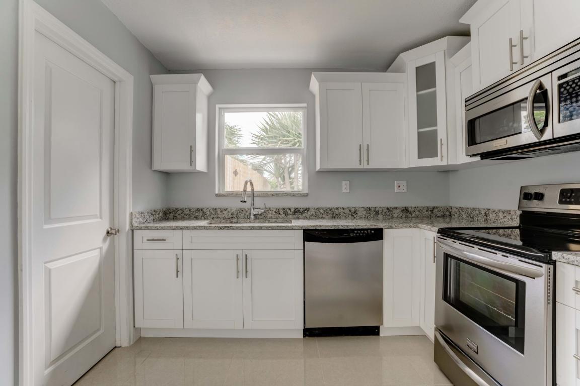 9411 Bellewood Street, Palm Beach Gardens, FL, 33410