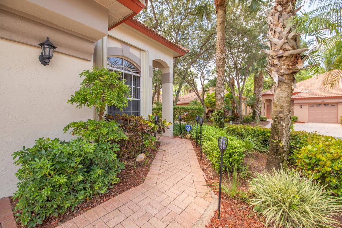 1030 Via Jardin, Palm Beach Gardens, FL, 33418