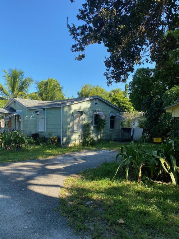 2396 Easy Street, Palm Beach Gardens, FL, 33410