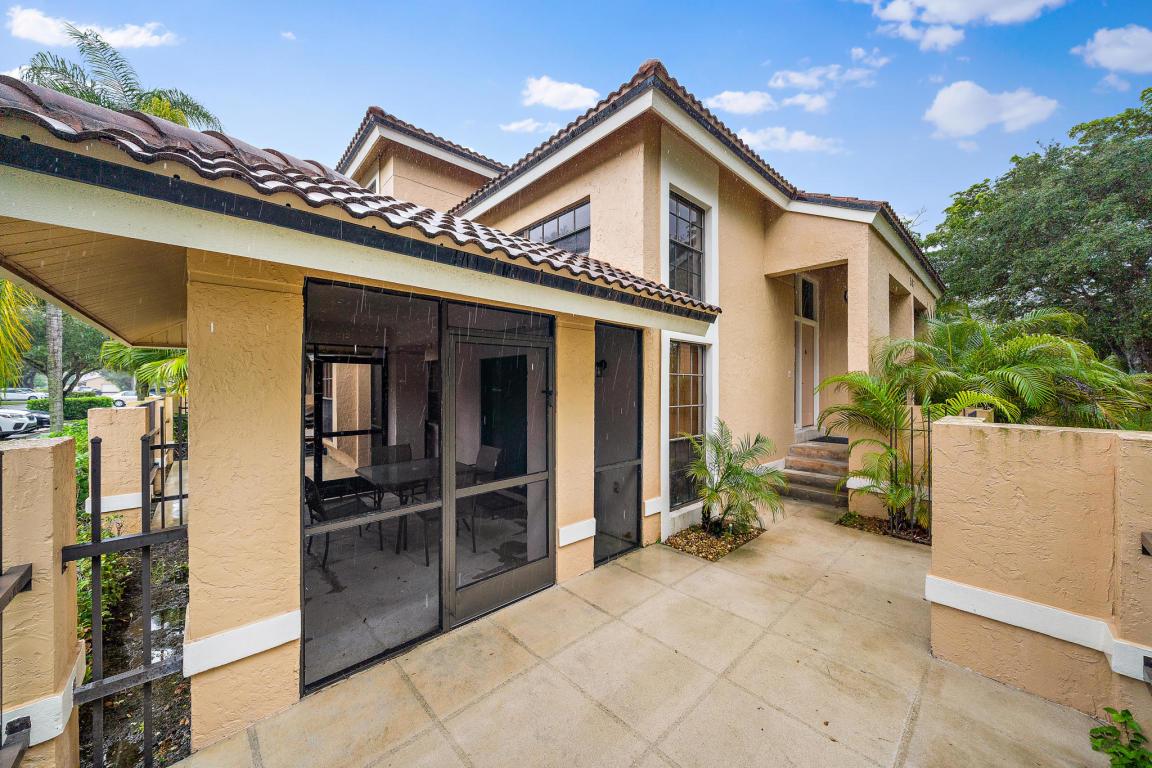 587 Prestwick Circle 1, Palm Beach Gardens, FL, 33418