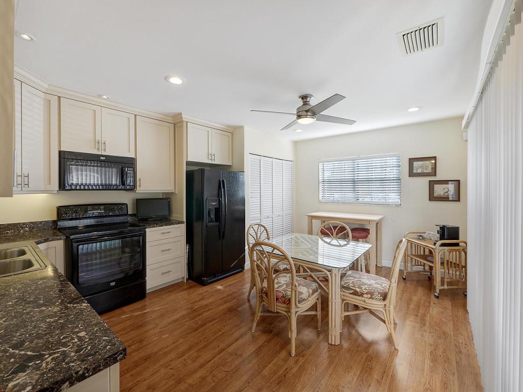 353 Prestwick Circle 3, Palm Beach Gardens, FL, 33418
