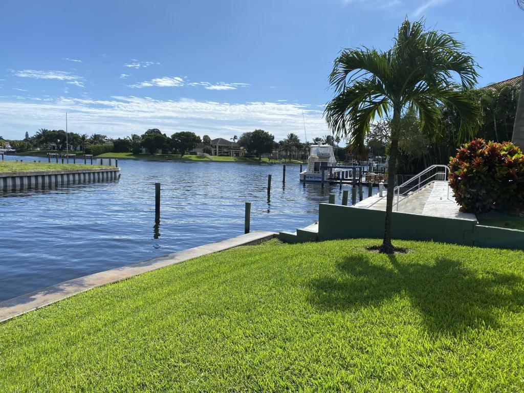 12900 S Shore Drive, Palm Beach Gardens, FL, 33410