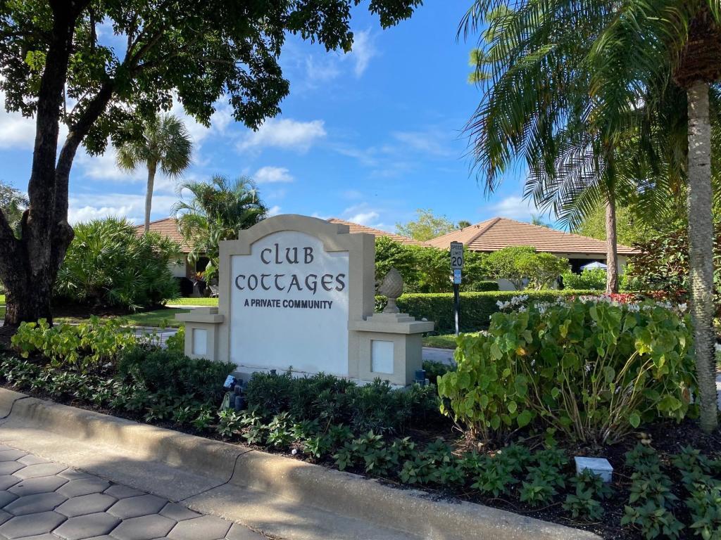 707 Club Drive, Palm Beach Gardens, FL, 33418