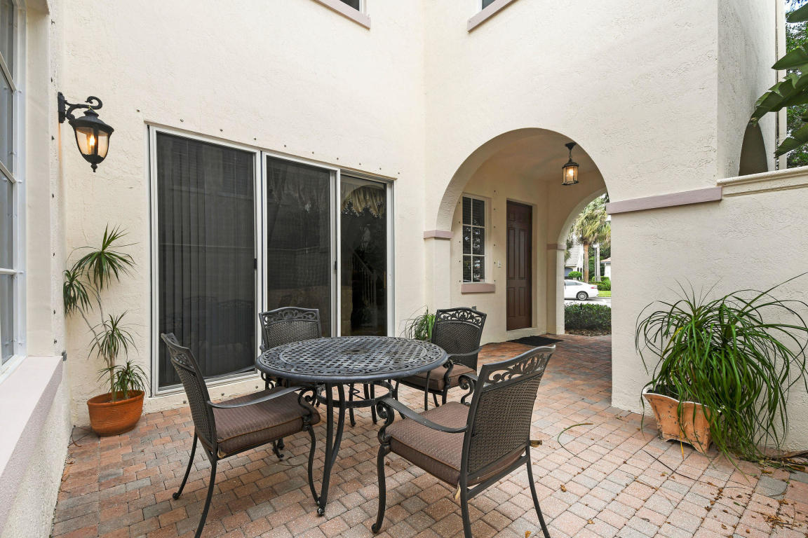 38 Stoney Drive, Palm Beach Gardens, FL, 33410