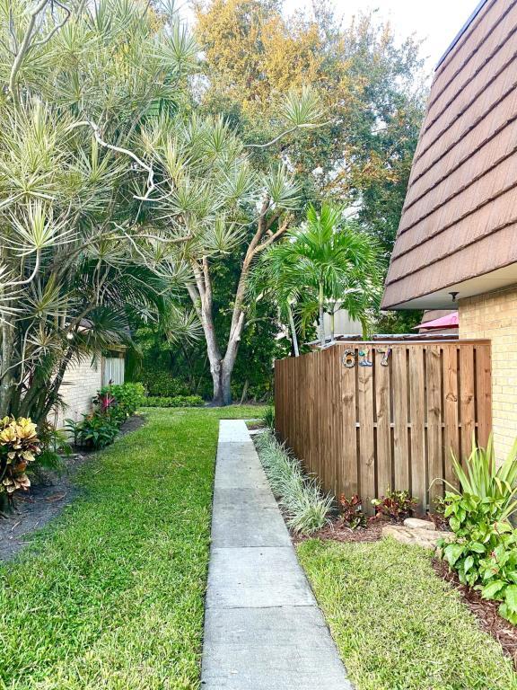 617 6th Lane, Palm Beach Gardens, FL, 33418