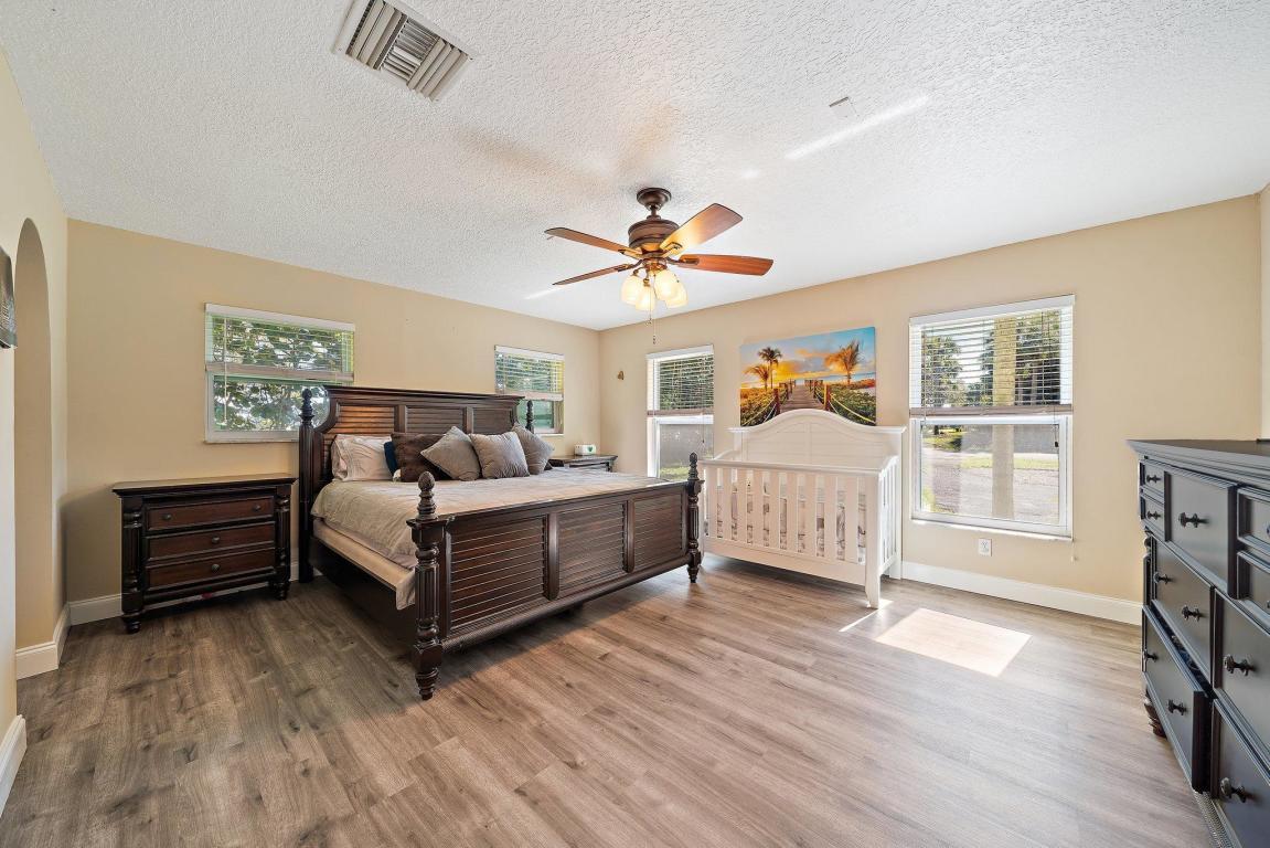 2501 W Edgewater Drive, Palm Beach Gardens, FL, 33410