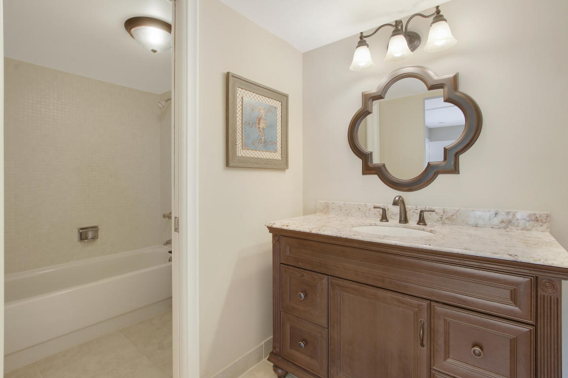 5570 Tamberlane Circle 229, Palm Beach Gardens, FL, 33418