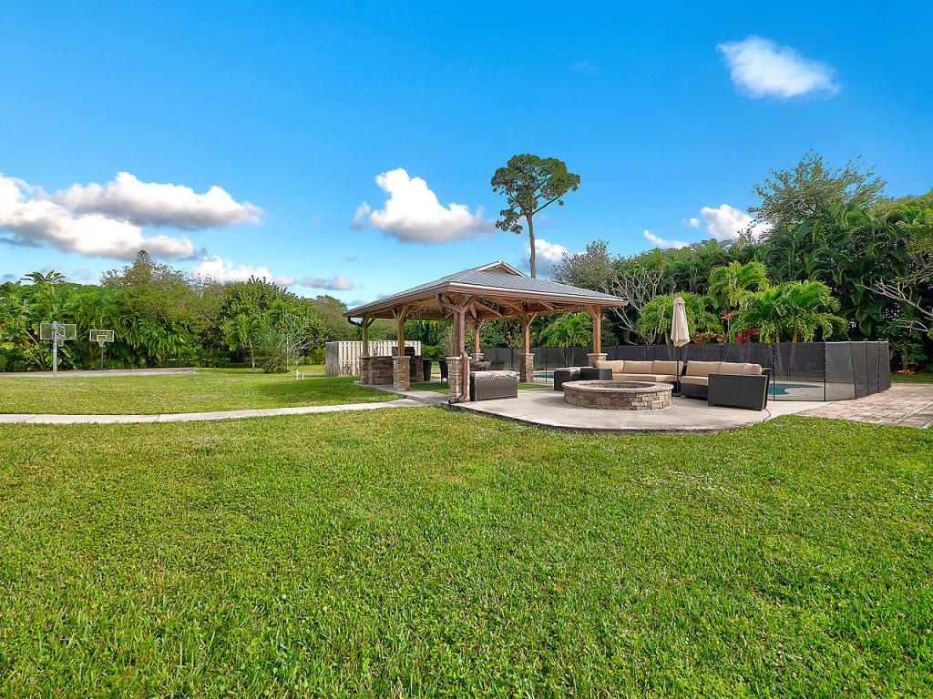 8762 N Virginia Avenue, Palm Beach Gardens, FL, 33418
