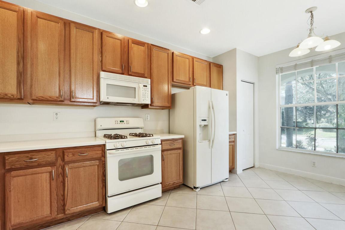 629 Castle Drive, Palm Beach Gardens, FL, 33410