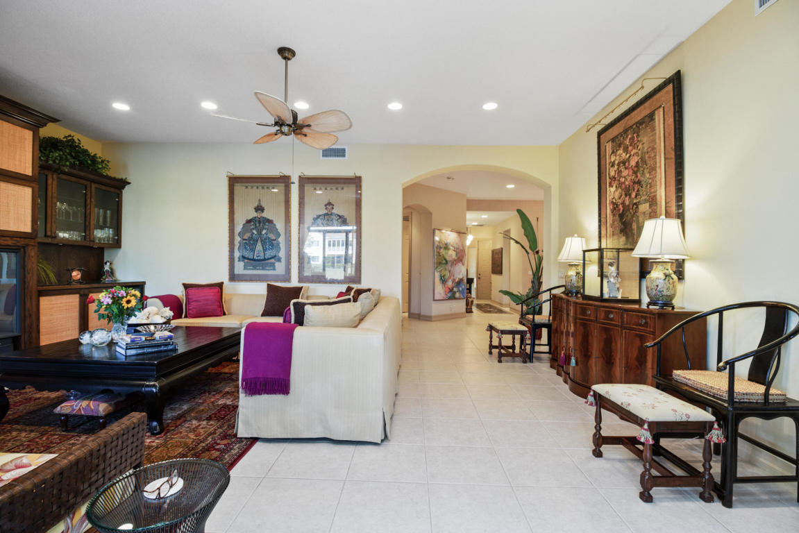 114 Palm Bay Drive B, Palm Beach Gardens, FL, 33418