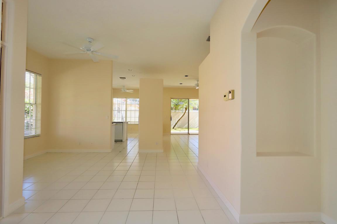 137 Monterey Pointe Drive N, Palm Beach Gardens, FL, 33418