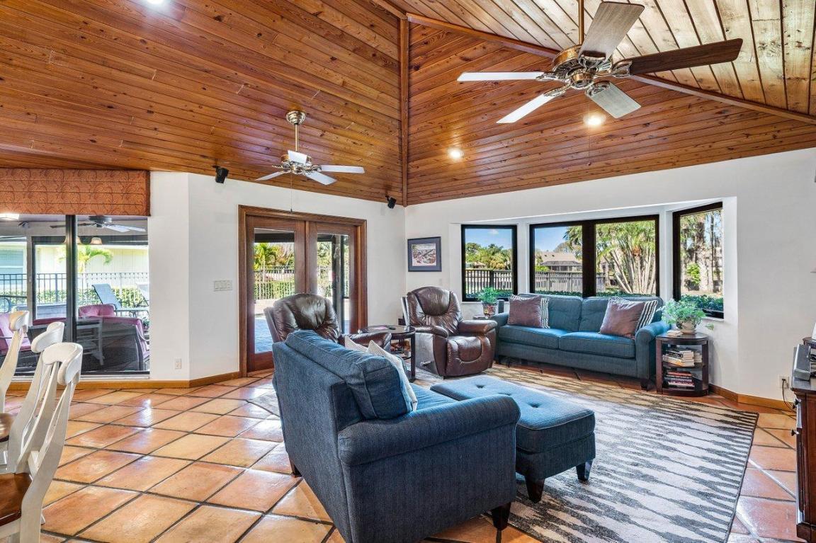 54 Dunbar Road, Palm Beach Gardens, FL, 33418