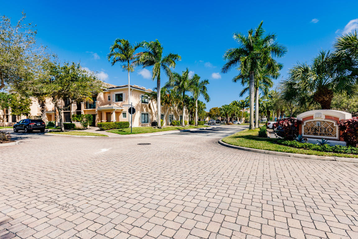 2802 Sarento Place 203, Palm Beach Gardens, FL, 33410