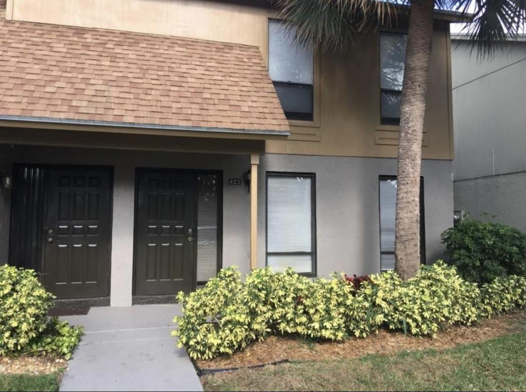 823 Sandtree Drive, Palm Beach Gardens, FL, 33403