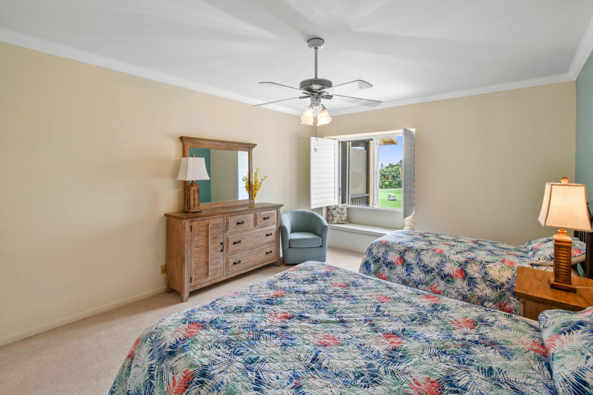 11811 Avenue Of P G A 7-3b, Palm Beach Gardens, FL, 33418