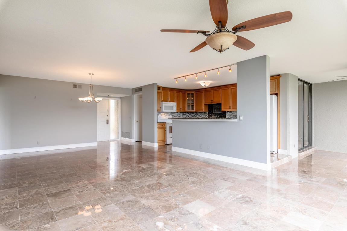 5380 Woodland Lakes Drive 118, Palm Beach Gardens, FL, 33418