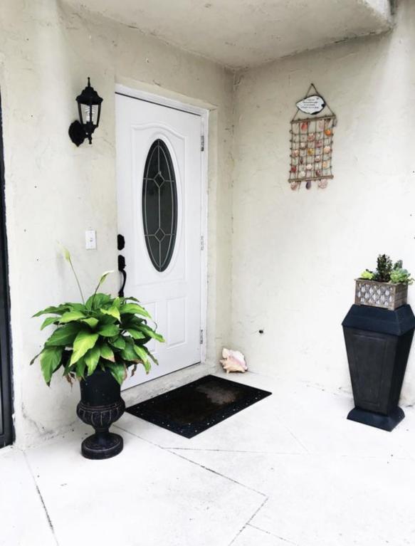 703 Miramar Lane, Palm Beach Gardens, FL, 33410