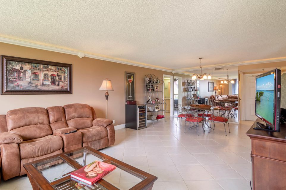 5390 Woodland Lakes Drive 103, Palm Beach Gardens, FL, 33418