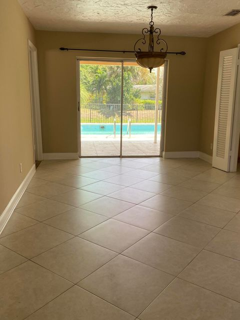 9816 Honeysuckle Avenue, Palm Beach Gardens, FL, 33410