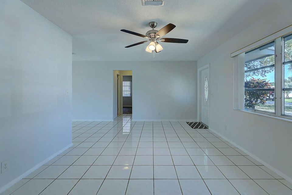 581 Riverside Drive, Palm Beach Gardens, FL, 33410