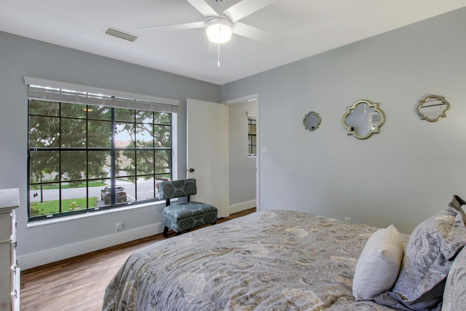 377 Prestwick Lane 1, Palm Beach Gardens, FL, 33418