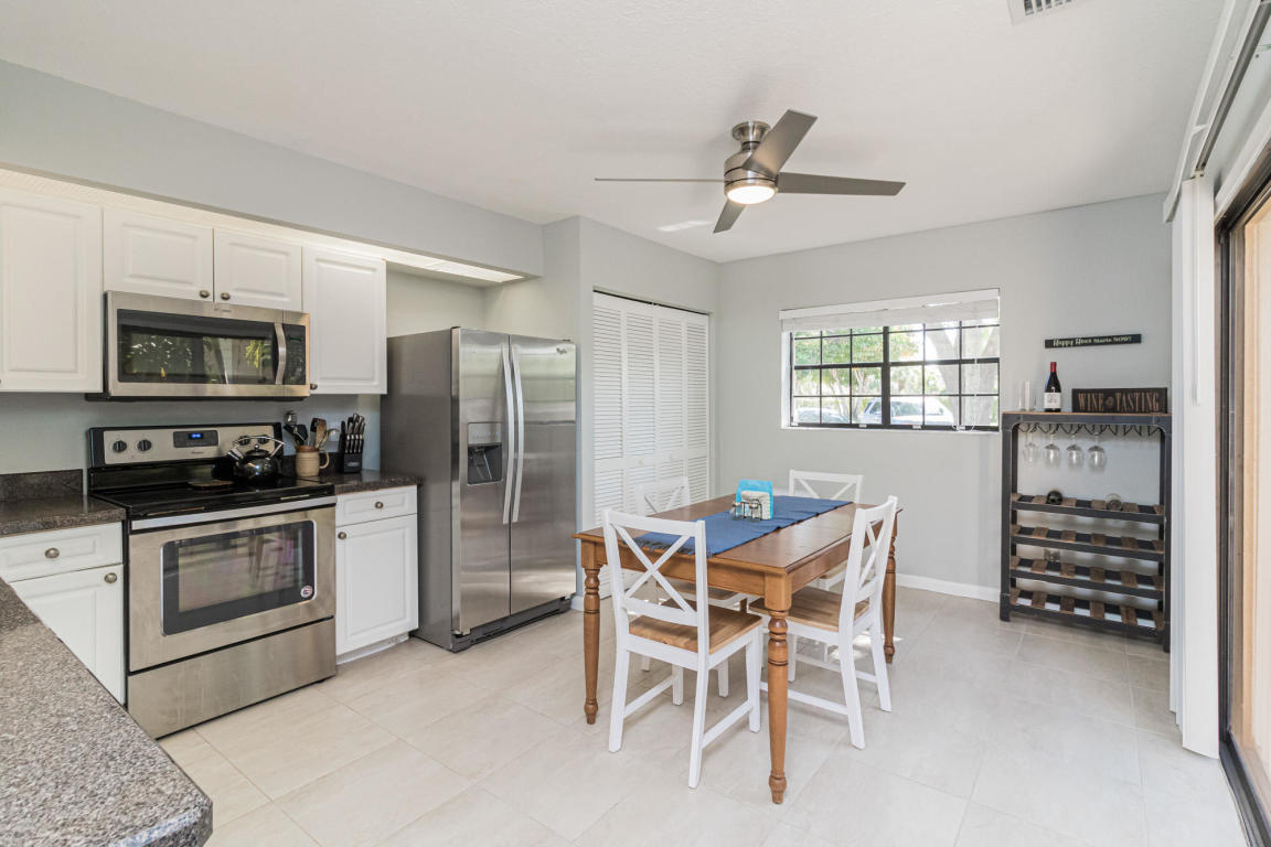 351 Prestwick Circle 3, Palm Beach Gardens, FL, 33418