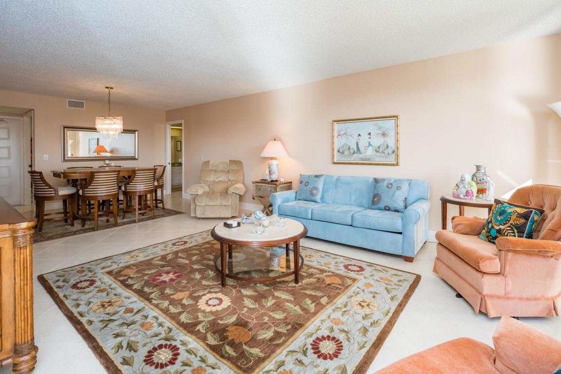 5188 Woodland Lakes Drive 335, Palm Beach Gardens, FL, 33418