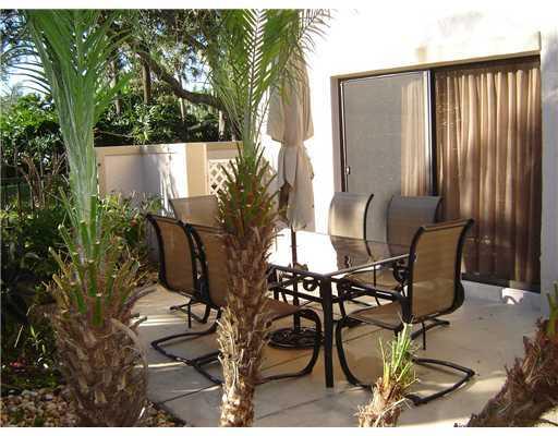 355 Prestwick Circle 4, Palm Beach Gardens, FL, 33418