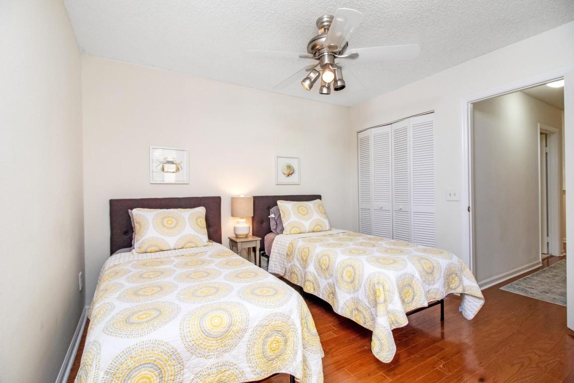 360 Prestwick Circle 1, Palm Beach Gardens, FL, 33418