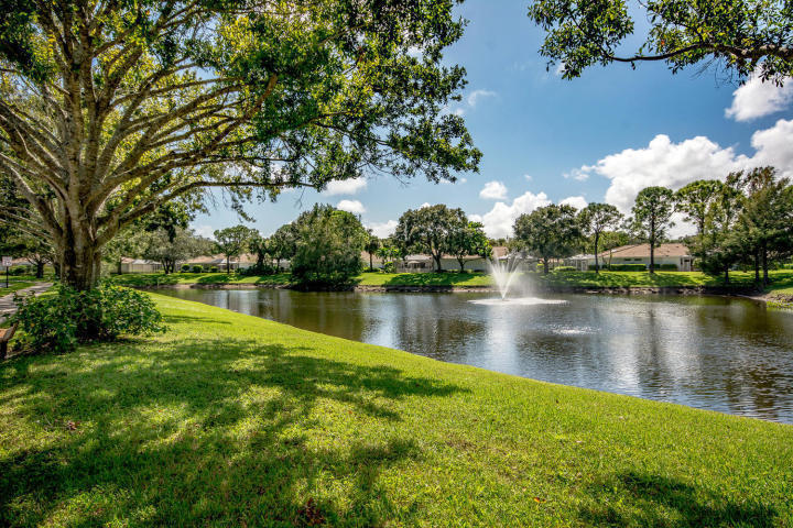 9801 Chapman Oak Court, Palm Beach Gardens, FL, 33410