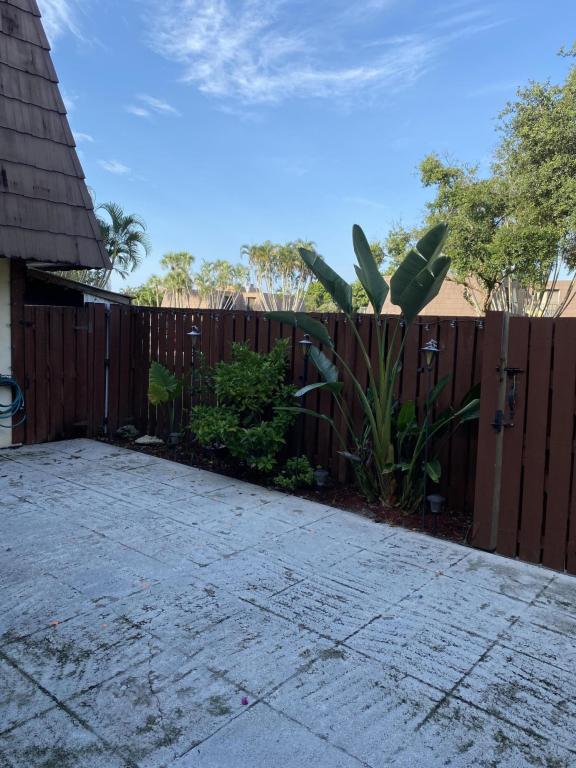 1106 11th Court, Palm Beach Gardens, FL, 33410