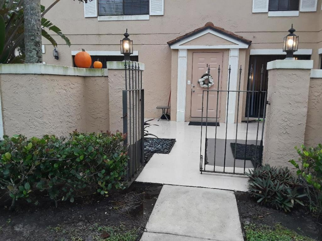 363 Prestwick Circle 1, Palm Beach Gardens, FL, 33418
