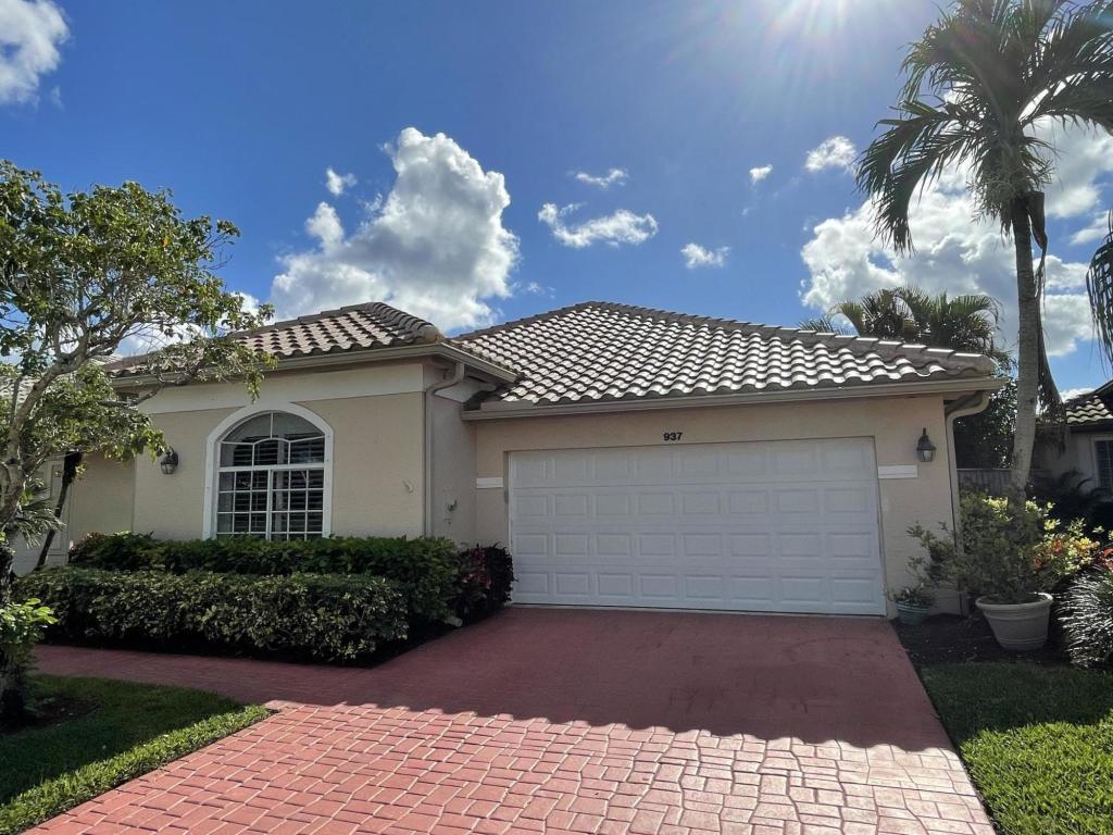 937 Augusta Pointe Drive, Palm Beach Gardens, FL, 33418