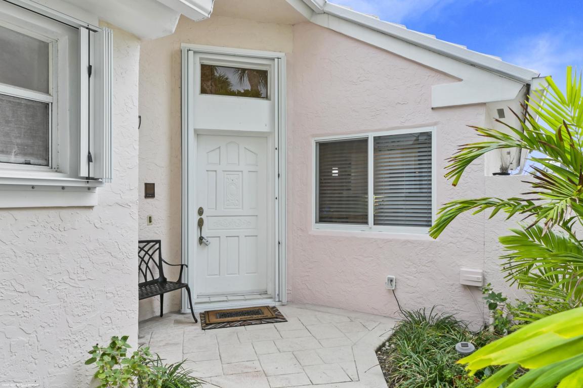 32 Dorchester Circle, Palm Beach Gardens, FL, 33418