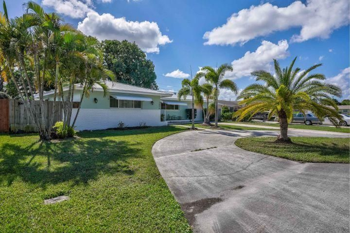 3896 Flag Drive, Palm Beach Gardens, FL, 33410