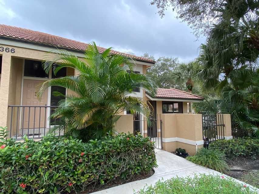 366 Prestwick Circle 4, Palm Beach Gardens, FL, 33418